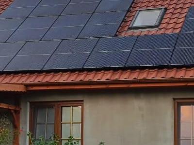 dachowe panele fotowoltaiczne
